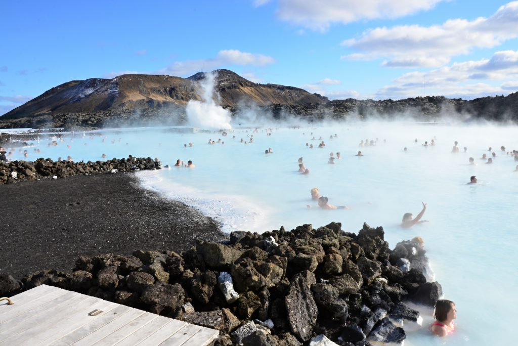 Depositphotos_30866815_People bathing in the Blue Lagoon in Iceland